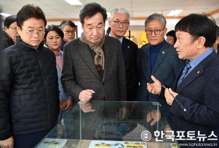 총리_상주곶감유통센터방문.jpg