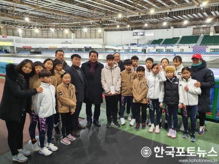 제101회 전국동계체육대회 안동시 선수단 금2 은2 동2 획득 (2).jpg