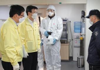 문성혁 해수부장관, 목포항 여객선 방역실태 점검